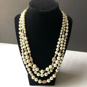 Classic 3-strand Pearls/Gold Beads Necklace
